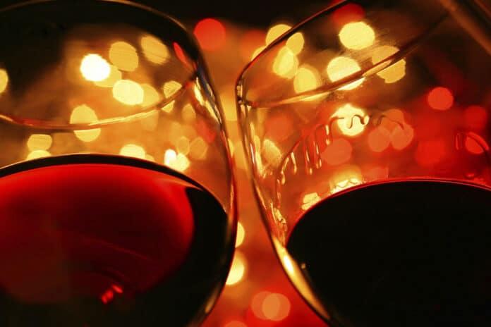 Bicchieri con vino
