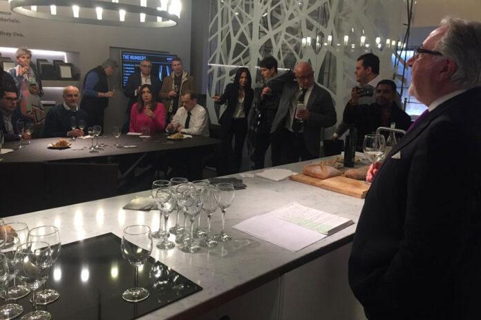 wine tasting bianchello del metauro
